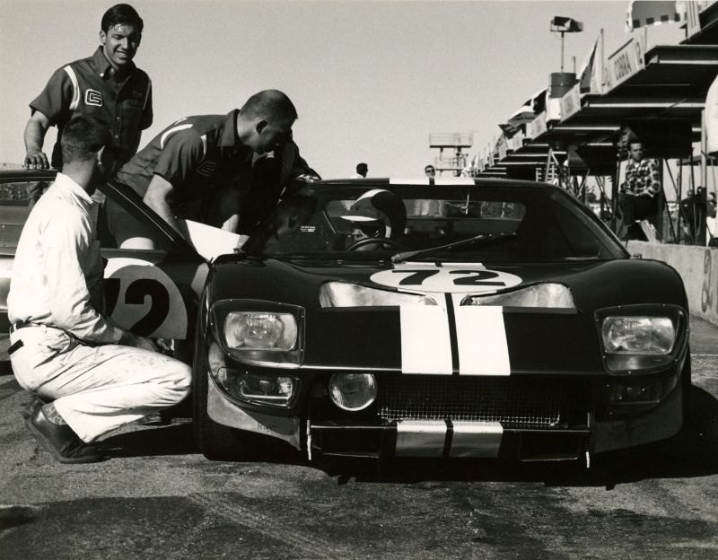 No.-31-Daytona-65-Pits-GT40
