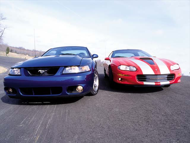 0208mmfp_01z+ford_mustang_cobra+front_view